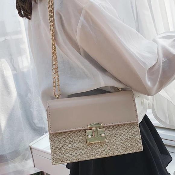 Zara Handbags - Cream shoulder bag